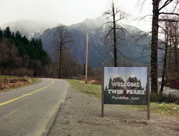 welcome-to-twin-peaks-sign-51201